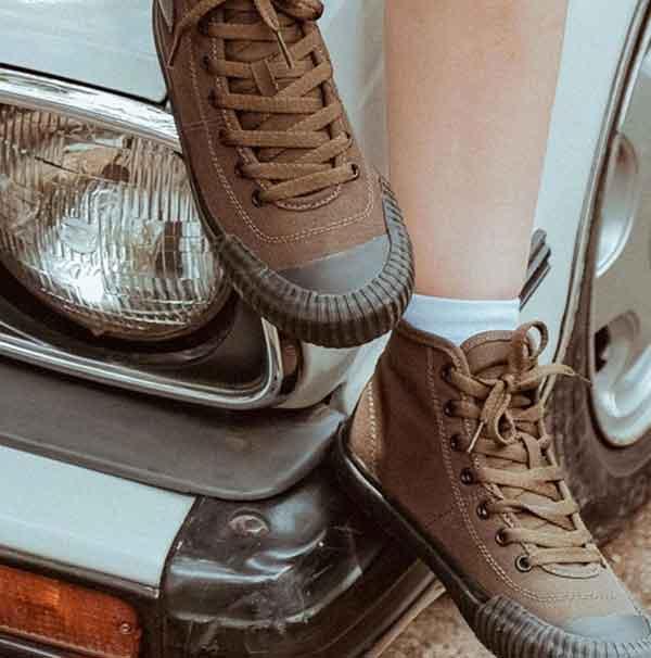 iklan sepatu brodo