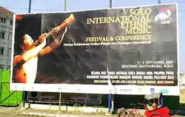 iklan baliho konser musik