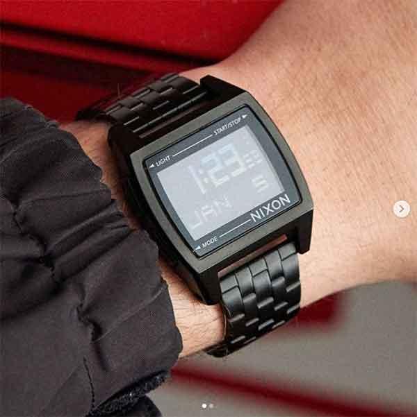 iklan jam tangan nixon